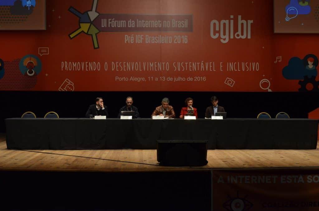 """Foto do Seminário """"Big Data - oportunidades e desafios jurídicos, políticos e sociais"""""""